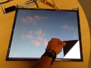 abgezogene-ecke-am-LCD